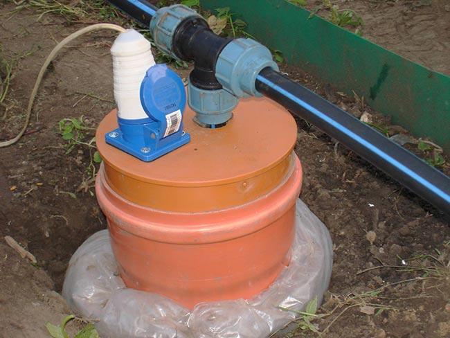 Какое оборудование ставить на скважину для полива зимой